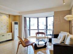 精装的两居室,家私家电齐全,拎包入住,交通方便