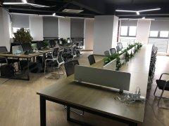 侨亚国际特价写字楼,全新精装修,有空调桌椅独立办公室!