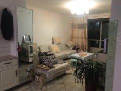 出租和平新苑5楼家具家电全带干净整洁+拎包入住+包暖包物业