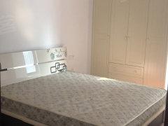 欧亚国际多层3房精装修1700一个月家具家电齐全