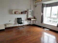 南山路南北华东花园大3房2厅精装修139平