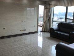 丽江豪园四房精装,可配齐家私家电也可空房出租,居家生活方便!