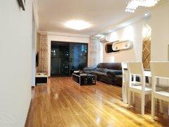 维多利亚豪装正规两房高楼层仅租3300钥匙在手看房方便