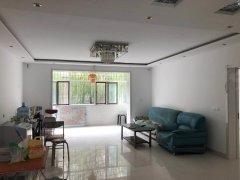 鑫峰园 一楼 精装修带小院 可以商用 可以自住 看房方便