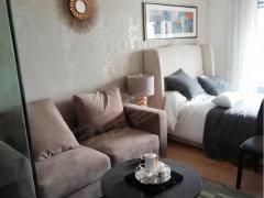 东汇城公寓,直接拎包入住,配套齐,只租2500元/月