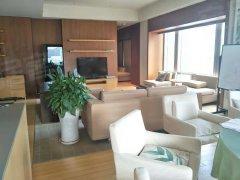 新出两居,国贸地段,拎包入住,精装修,看房方便,随时起租