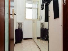 百花公寓二期 精装修 四房两厅两卫 诚心放租  带固定车位