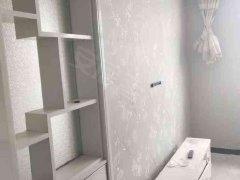 城中区五一路鸣翠柳公园世家一居室精装修拎包入住可以短租