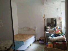 出租 蓝湾新城 2室2厅 户型正 简单装修家具齐全 拎包入住