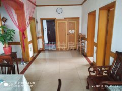 随时看房   供电新苑99平3室2厅中装1300元/月