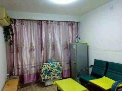 出租物探四号院精装两居,家具家电全,月租1300.