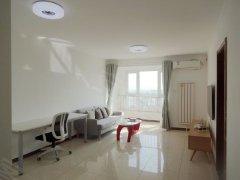 朝南的一居室,带精装修,家私家电齐全,拎包入住,交通方便