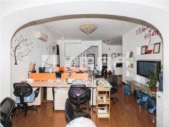 使用面积350平双拼别墅!地上二层!自住和轻办公!看房随时
