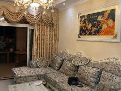 香山美地精装两室出租,家具家电齐全拎包入住,期待您的来电