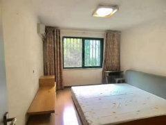 国际新城二期1室-1厅-1卫整租