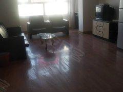 水区七道湾路口水墨龙城旁 5楼三室两厅家具齐全拎包入住可短租