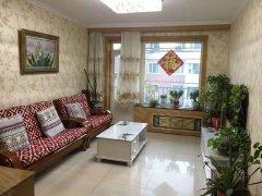 红十月东二区70平米2500出租。精装修