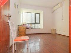 全新家具按排上了,环境绿化优雅,家私齐全梅林