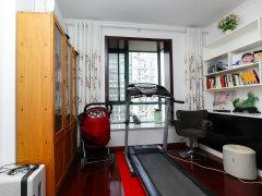 随时看房 精装卧室 365天售后 东晶国际