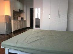 三好街 昌鑫大厦 精装一室一厅 押一付一 免费网 可做饭