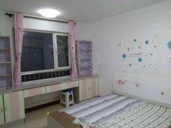 海诺两室一厅82简单装修年租1万可季租月租干净整洁拎包入住