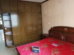 低 价出租,繁华地段,精装3室,拎包入住急急急