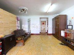 急租鸿城1期4房,两个卫生间  可办公 可合租