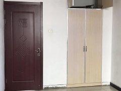出租阳光西郡2居室包物业取暖可半年付拎包入住.