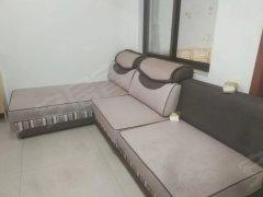 800租 万达广场旁精装两室一厅 家电齐全价格便宜