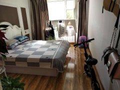 青年路北京华联 精装修四楼 全新家具家电婚房装修拎包即住