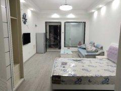 单身公寓,1室1厅,新装修,东西全新,直接拎包入住。