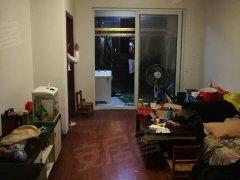 香堤澜湾湖景房二室一厅72平出租,楼层采光好,位置好出行方便