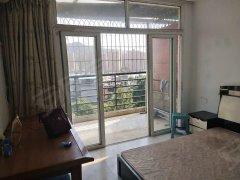 学生街一房一厅1300,独门独户,停车方便,房间超大