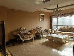 红角洲绿地香颂别墅 5室3厅158平米 精装修 押一付三