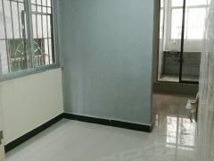 清湖地铁口518米电梯1房1厅房东直租,家私家电齐全
