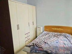 双湖锦苑 基本设施 洗澡 睡觉 做饭 800/月  不包物业
