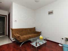 干净卫生 精装卧室 主卧阳台 怡然家园