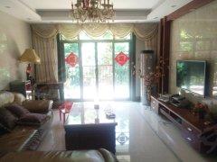 丽江豪园四期安静舒适,高层实用,温謦舒适,阳光充足。