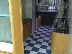 青青家园一层三室 精装修2台空调 设施齐全不临街不把边