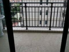 柏景浪琴轩,1房1厅,有阳台,有空调租金800元每月。