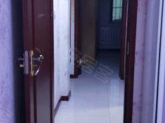 欧鹿精装3室拎包入住 价格不贵 出现方便 步梯4楼
