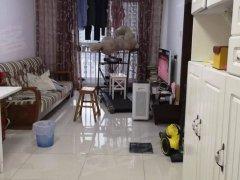 出租西局玉园两居室两家合租次卧 想找个爱干净的 照片真实