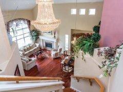 纯正美式独栋温馨四居室,精装现房,拎包住!随时看房