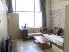 经典生活两室大复式,楼上楼下三张床,可短租,可长租,押一付一