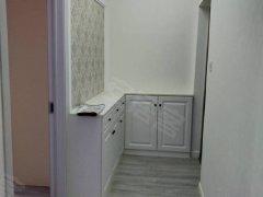 亚星江南小镇 2室1厅75平米 精装修 押一付三