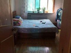 明东小区16中学附近 简单装修两室一厅