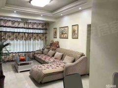 绿地海棠湾两室精装出租。