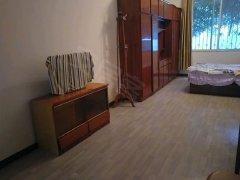 出租   张公桥   500一个月  精装修  一室一厅