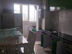 银丰家园,价格便宜,整体厨房精装修,头次出租,配全新的家具家