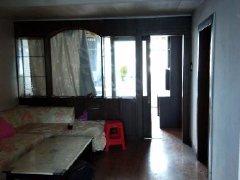 东进小区2室2厅1卫此房在3楼中等装修家电齐全拎包入住